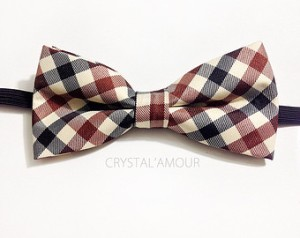Pre-tied bow tie: suspiciously perfect. Avoid.